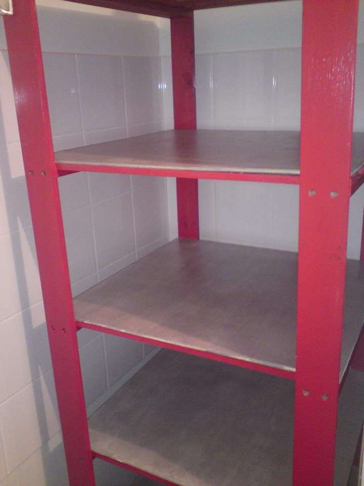 Peinture sur toile et bricolage customiser un meuble casto - Customiser un meuble en bois ...